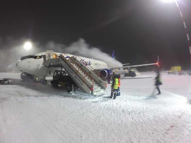 Команда Симоне Моро в Якутии, январь 2018 года. Фото Matteo Zanga
