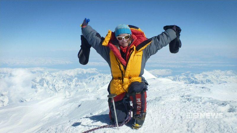 Кэти Сара (Katie Sarah)  на вершине горы Сидлей (Mount Sidley, 4181м), январь 2018 года. Фото 9NEWS