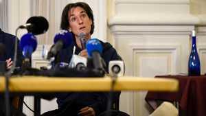 Элизабет Револ обвинила пакистанскую сторону в медленной организации спасательных работ на Нангапарбат