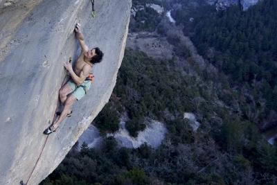 Новый стандарт в скалолазании: Адам Ондра проходит флэшем маршрут