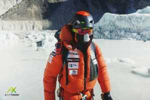Зимняя экспедиция на Эверест: команда в третьем высотном лагере на 7200 метров