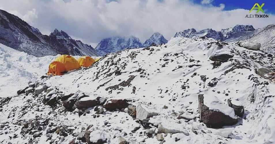 Базовый лагерь зимней экспедиции на Эверест Алекса Тикона. Февраль 2018. Фото Alex Txikon