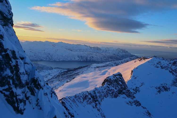 Альпинистский пейзаж на острове Сенья. Фото Greg Boswell