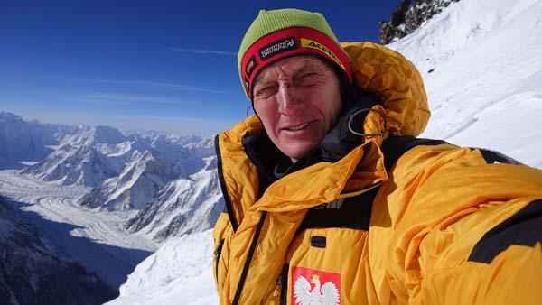 Денис Урубко на маршруте восьмитысячника К2. февраль 2018 года
