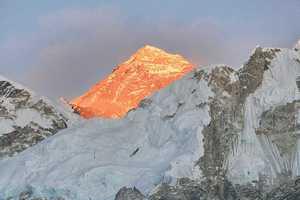 Верховный суд Непала приостановил введение новых поправок в закон о альпинизме