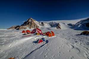 Французские альпинисты открыли пять новых скальных маршрутов в Антарктиде