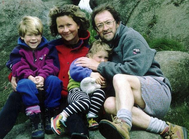 Элисон Харгривз (Alison Hargreaves) со своими детьми и мужем незадолго до гибели на К2