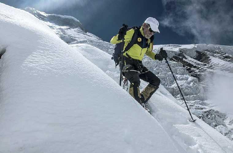Карлос Сория (Carlos Soria) в попытке восхождения на Дхаулагири. Фото Barrabes
