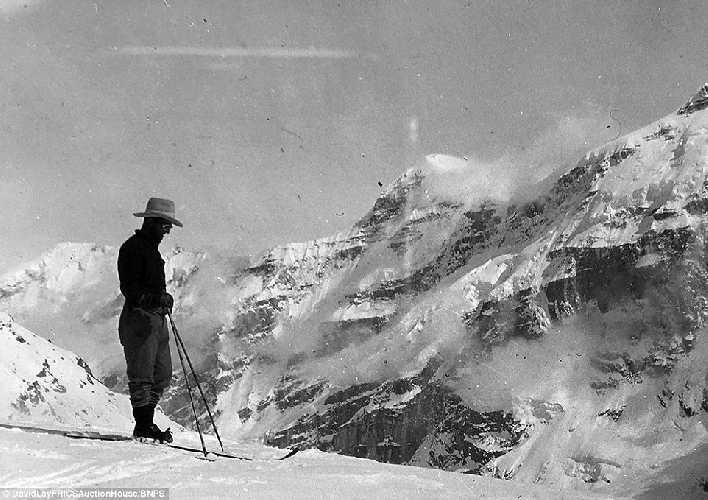 Британская экспедиция на вершину гималайской горы Камет (Mount Kamet 7756 м). 1931 год. Фото Frank Smythe