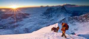Неизвестный Эверест: канадский фильммейкер 4 года хранил в тайне фотографии, сделанные во время трагичных сезонов 2014 и 2015 годов