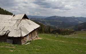 Колыбы и туристические приюты в Украинских Карпатах