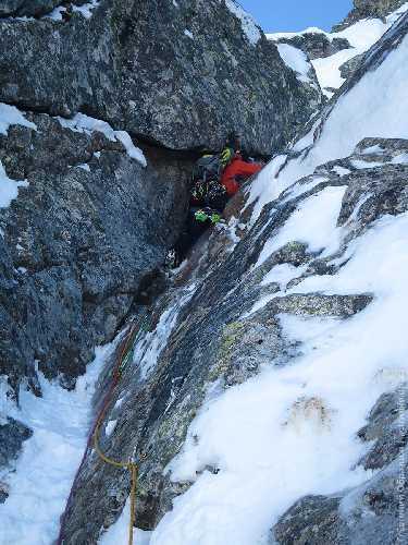 Лёша лезет приятную верёвку М5. Фото Евгений Образцов