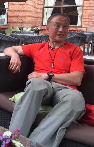 Ся Бо Ю (Xia Boyu / 夏伯渝), 70-летний альпинист из Китая. Фото thehimalayantimes