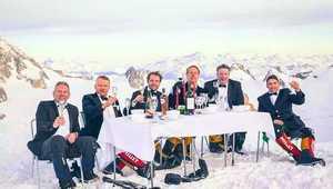 На Эвересте планируют установить рекорд Гиннеса, проведя самый высотный званый ужин
