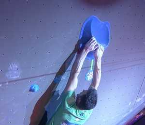Первый этап Кубка Мира по скалолазанию выиграли Михо Нонака и Джерней Крудер