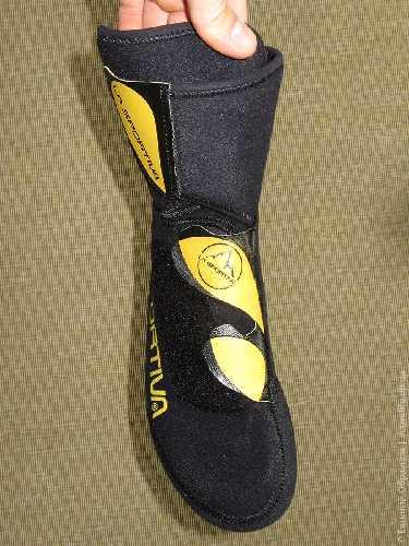Внутренний ботинок на трёх липучках, открывается очень широко. Фото Евгений Образцов