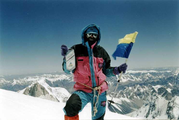 В. Копейка на предвершинном плече К2, фото В.С. Балыбердина, 1992 год