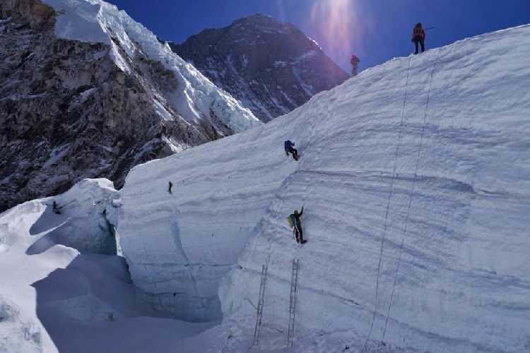 На ледопаде Кхумбу. Фото Тарас Поздний
