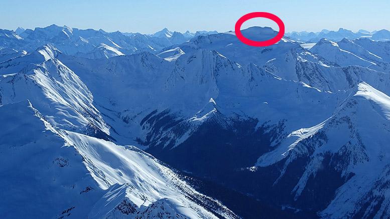 пик Жаннетт (Jeannette Peak, 3089 метров) в горах Селвин, на востоке провинции Британская Колумбия. Фото Lonnie Dupre