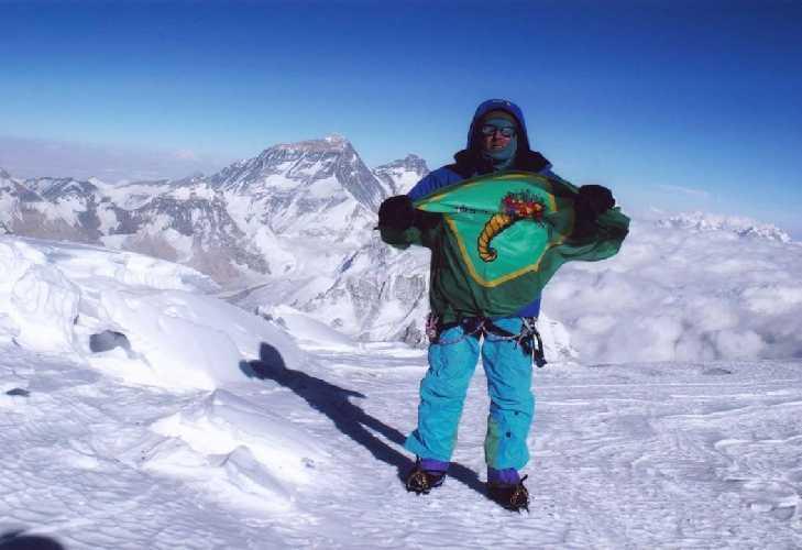 Сергей Бершов во время восхождения на восьмитысячник Чо-Ойю, 2004 год
