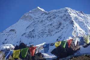 На восьмитысячнике Макалу погиб непальский шерпа