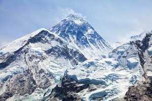 На Эвересте погиб непальский шерпа, сопровождавший к вершине украинскую команду