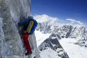 Чангабанг: впервые в альпийском стиле по северной стене