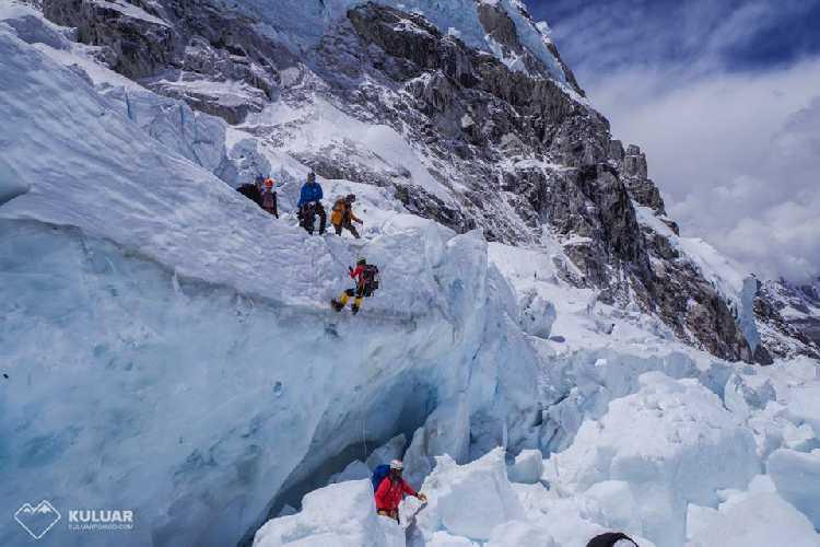 Эверест. Фото Тарас Поздний