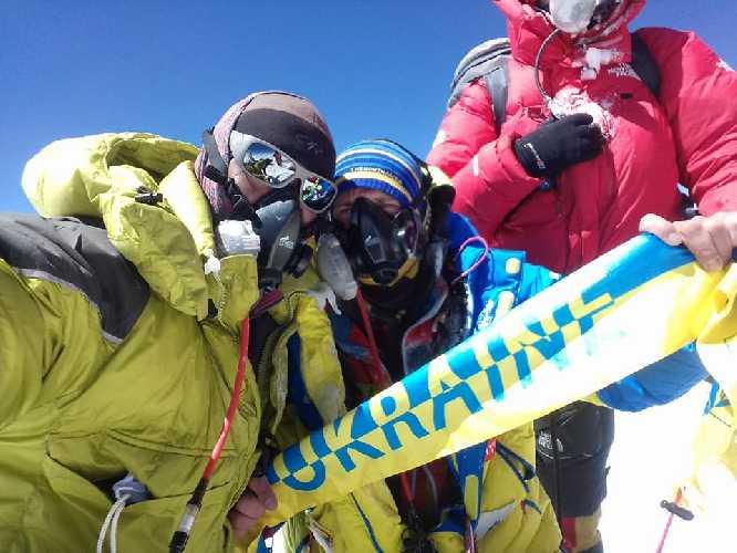 Валентин Сипавин на вершине Эвереста, 2018 год. Фото Валентин Сипавин