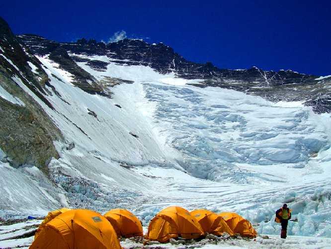 Эверест. Второй высотный лагерь. Фото Ian Taylor Trekking