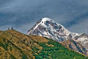 Российский альпинист погиб на Казбеке от отёка лёгких