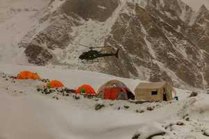 Во время восхождения на пакистанскую вершину Латок I в лавину попала южнокорейская команда