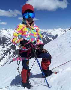 Девятилетняя девочка из Пакистана стала самой молодой альпинисткой в стране, поднявшись на вершину шеститысячника