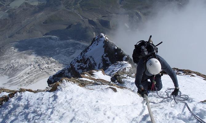 Восхождение по ребру Furggen на Маттерхорне. Фото mountainplanet . com