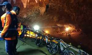 12 детей стали заложниками непогоды в одной из пещер Таиланда