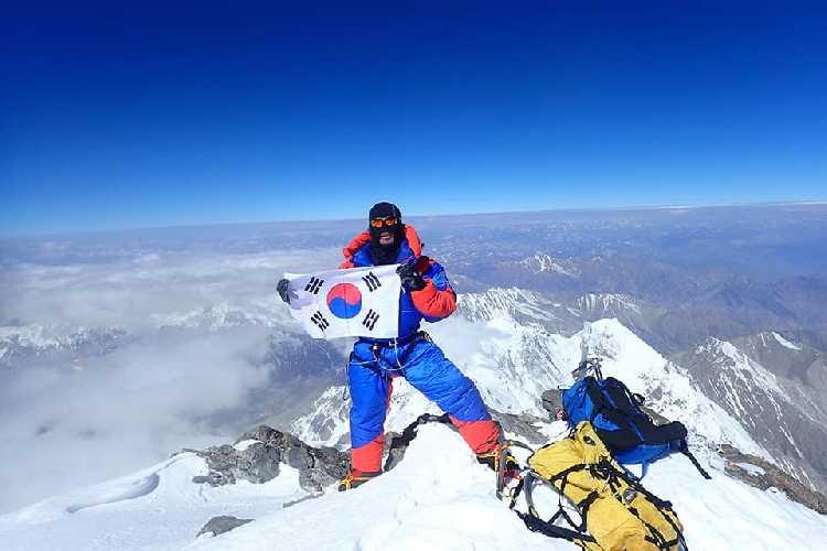 Ким Мигон ( Kim Migon, Южная Корея) на вершине Нангапарбат
