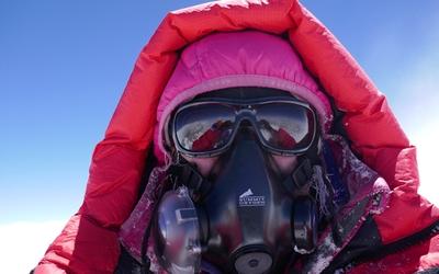 63-летняя альпиниста из Германии стала самой пожилой европейкой, поднявшейся на вершину Эвереста!