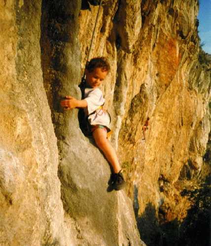 Одно из первых восхождений Адама Ондры запечатленное на фото. 1995 год, Словения
