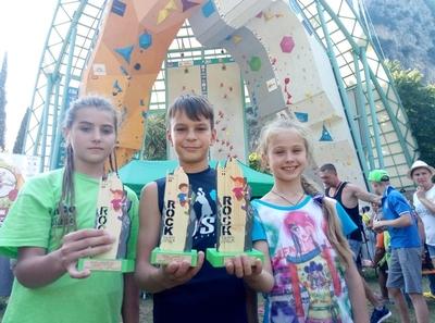 Юные украинские скалолазы завоевали одну серебряную и две бронзовых медали в престижных соревнованиях Arco Rock Junior 2018