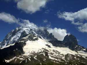 Три итальянских альпиниста пропали без вести на Монблане