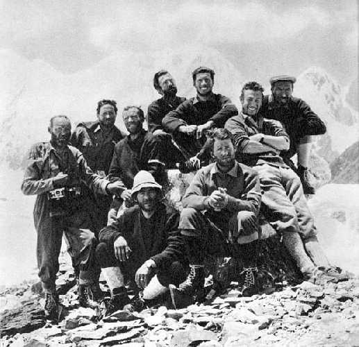Члены итальянской экспедиции на Гашербрум IV (Gasherbrum IV, 7925 м) в 1958 году
