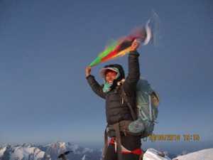 Впервые афганская женщина поднялась на высочайшую вершину страны - пик Ношак
