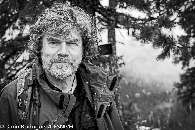 Райнхольд Месснер (Reinhold Messner) во время международного горного саммита в 2012 году. Фото Darío Rodríguez/DESNIVEL