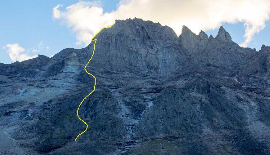 Новый маршрут на вершину горы Калибан (Caliban высотой 1950 метров). Фото Lang Van Dommelen