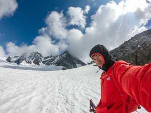 Давид Лама возвращается к непокоренной Лунаг-Ри - одной из самых высоких гор Непала, на которую еще не ступала нога человека