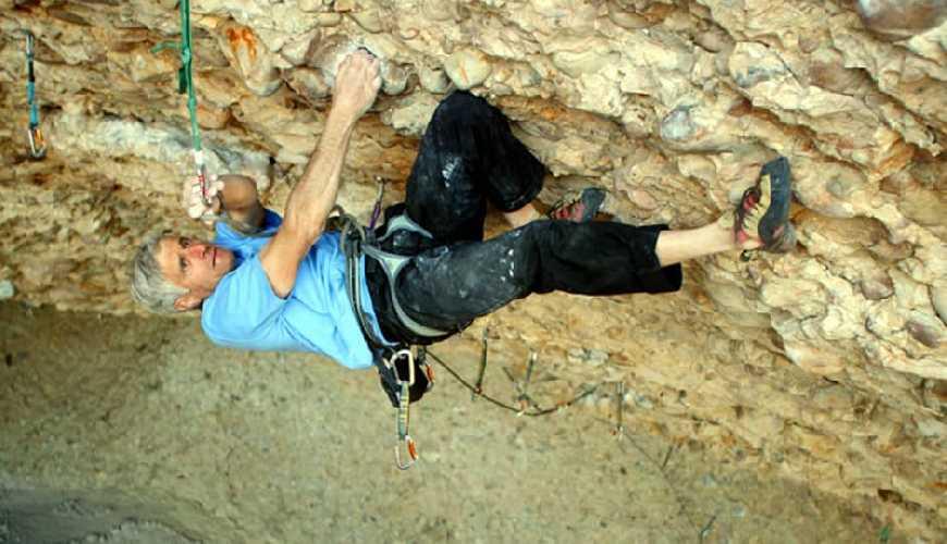 Ли Шефтель (Lee Sheftel) на маршруте пещеры Pipe Dream, в каньоне Maple Canyon, штат Юта. Фото Lee Sheftel