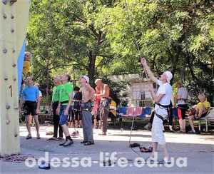 Скалолазы от 40 до 80 и старше соревновались в Одессе на всеукраинском чемпионате ветеранов