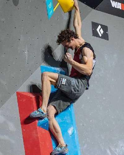 Адам Ондра (Adam Ondra) на Чемпионате Мира по скалолазанию 2018. Фото Lukas Biba