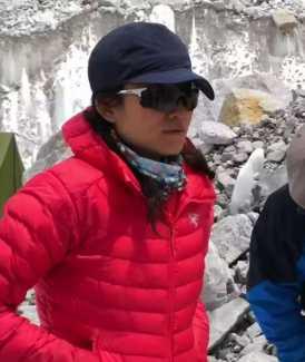 Невероятный рекорд в прохождении всех восьмитысячников планеты установила китаянка Донг Хонг Хуан: ей удалось пройти 14 вершин ровно за 6 лет!