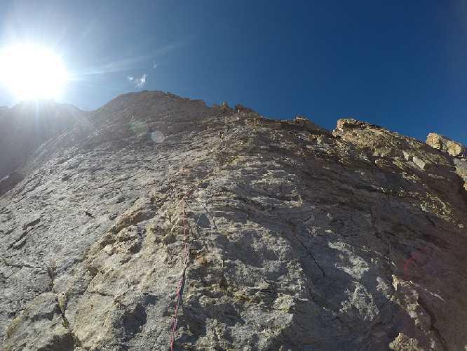 Маршрут Jullay Temù на северный пик горы Чарезе Ри Северная (Chareze Ri North, 6080м) высотой 5950 метров. Фото Daniele Castellani
